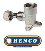 """Угольник с креплением (водорозетка) 16х1/2"""" ВР Henco"""